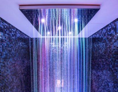 horké sprchy video